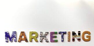 """Kolorowy napis""""Marketing"""""""