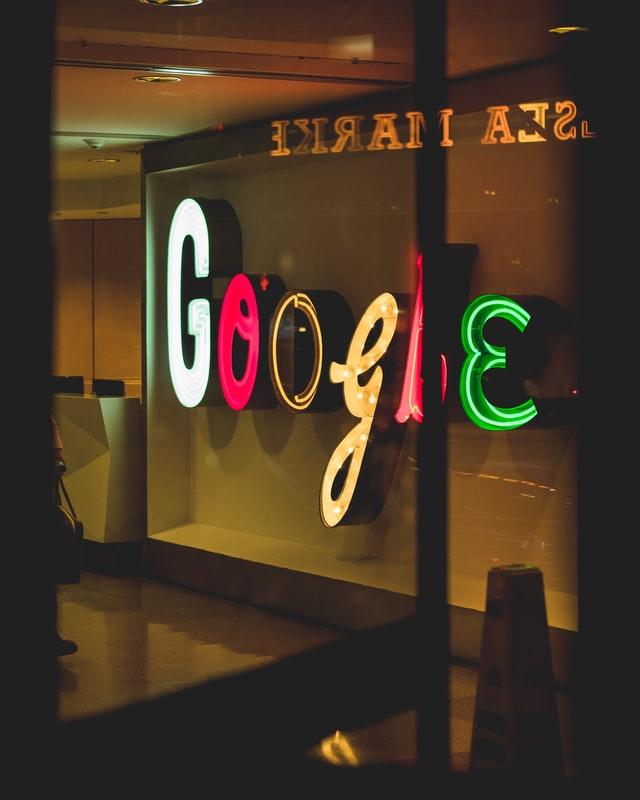 Kolorowy napis Google